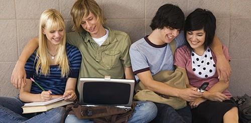 teenagers_facebook.jpg