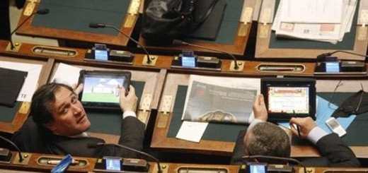 Tablet e videogame in Parlamento