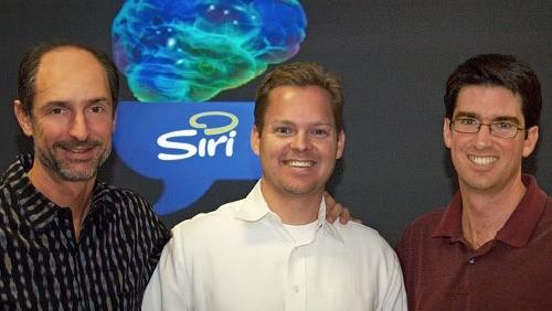 Dag Kittlaus, al centro, co-fondatore di Siri