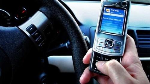 SMS mentre si guida
