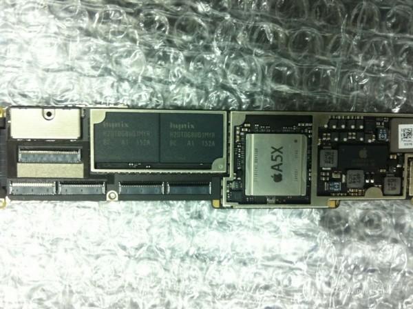 Presunta scheda logica di iPad 3