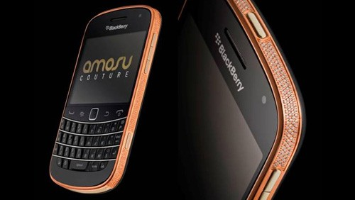 BlackBerry Bold 9900 Aamosu Couture