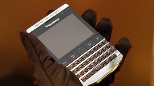 BlackBerry Porsche Design Titanium