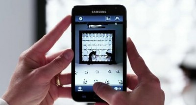 David Beckham con il Samsung Galaxy S III