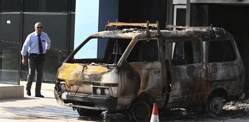 Bomba contro edificio Microsoft