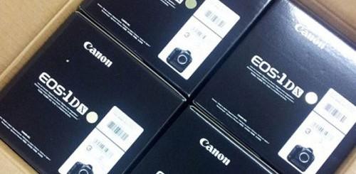 Scatole Canon EOS-1D X preproduzione