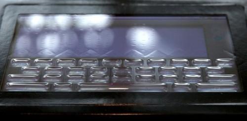 Tactus touchscreen liquido