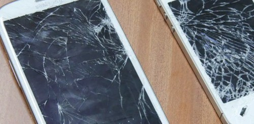 Samsung Galaxy S3 vs. iPhone 4S, crash test