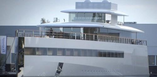 yacht-steve-jobs