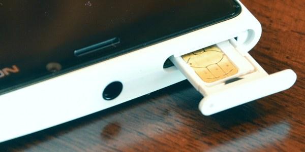 Dock di accesso alla micro-SIM
