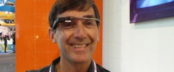 La redazione di CNET ha avvistato un impiegato Google con gli occhiali Glass al MWC 2013