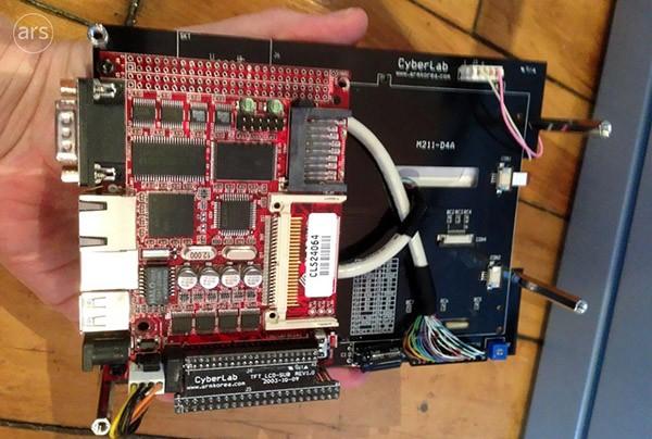 Circuiti del prototipo iPhone, Ars Technica