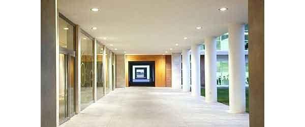 Il campus Tiscali a Cagliari ha richiesto molti anni di lavoro, e condivide spazi e conoscenze dell'azienda.