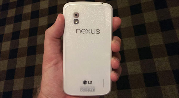 Il Nexus 4 bianco con Android 4.3 Jelly Bean (Android and Me)