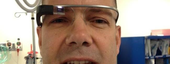 Il chirurgo Grossman con i Google Glass