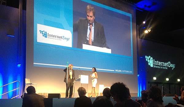 L'on. Quintarelli agli InternetDays ha parlato della infrastruttura di rete italiana e del caso Telecom.