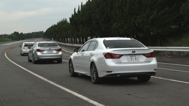 Le Lexus LS equipaggiate con il sistema Automated Highway Driving Assist.