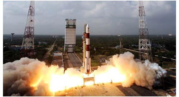 Una delle immagini che si possono trovare sulla pagina ufficiale Facebook della missione spaziale indiana.