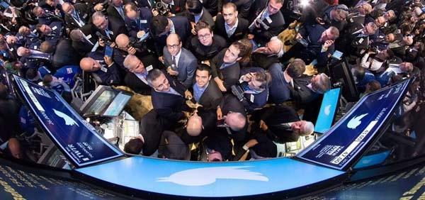 L'offerta pubblica di acquisto di Twitter sul mercato NYSE è stata seguita in diretta da tutte le testare finanziarie (e non solo) in una perfetta e vertiginosa integrazione media-social.