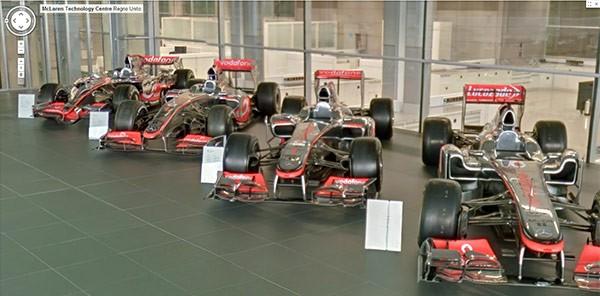 Alcune delle auto in mostra presso il McLaren Technology Centre, visitabile su Google Street View
