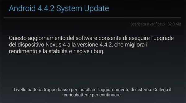Il messaggio che avvisa della possibilità di scaricare e installare Android 4.4.2 KitKat