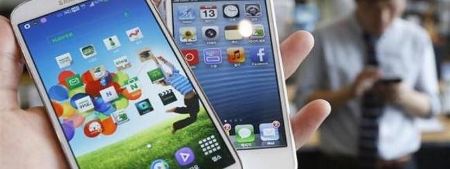 iPhone 5S e Samsung Galaxy S4