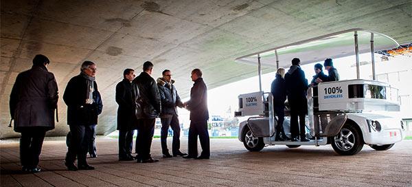 Navia, il mezzo elettrico di Induct che viaggia senza bisogno di conducente