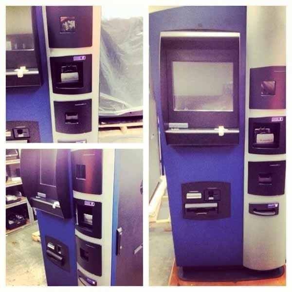 Lo sportello automatico per depositate e prelevare denaro usando un wallet Bitcoin.