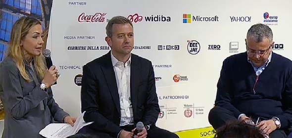 Da sinistra: la giornalista Francesca Senette intervista Carlo Purassanta, ad di Microsoft Italia, e Andrea Cardamone, ad di Widiba (Montepaschi). Tema: come i social producono valore.