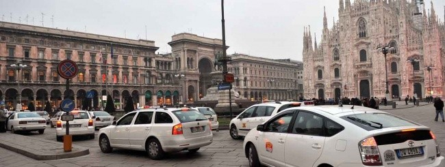 Taxi a Milano contro Uber