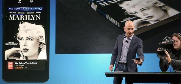 Jeff Bezos dimostra la tecnologia Firefly