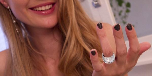MOTA SmartRing, l'anello che porta le notifiche dello smartphone al dito