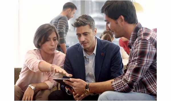 Per pochi secondi nello spot Telecom si vedono Elisa e Flavio lazio, fondatori di flazio.com. Vincitori di Mind The Bridge, erano stati segnalati da Working Capital. La società di telecomunicazioni si è ricordata di loro quando ha realizzato uno spot sulle startup per il progetto Impresa Facile.