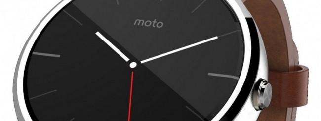 Moto 360 con cinturino in pelle