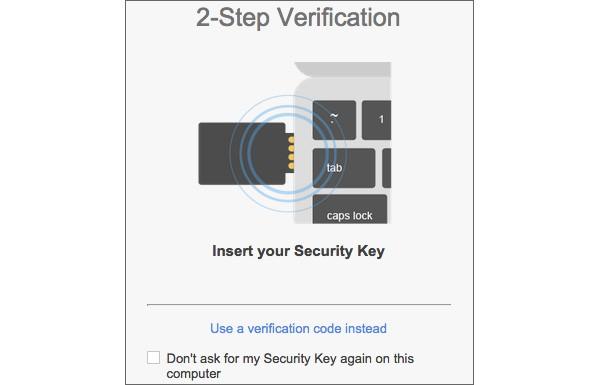 Un'immagine mostra il funzionamento della Security Key, il dispositivo USB per effettuare il login all'account Google in tutta sicurezza