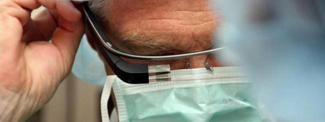 Chirurgo con Google Glass