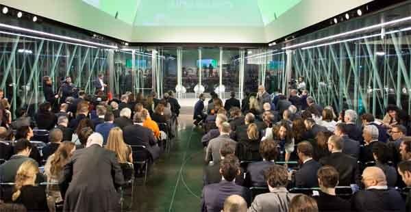 L'Expo Gate è la struttura presente in piazza Cairoli a Milano, dove ieri sera c'è stata la premiazione delle startup finaliste del premio Marzotto. Oggi è previsto un panel di Italia Startup e alle 16 la presentazione di libro firmato da Luca De Biase e Luca Tremolada, sempre sul tema startup.