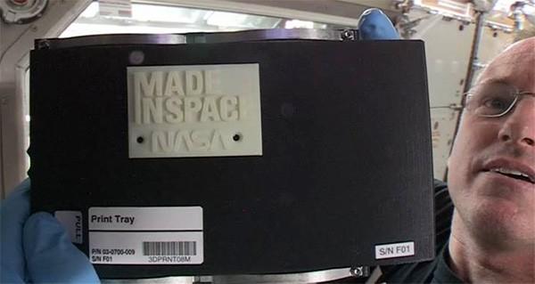 Il primo oggetto prodotto nello spazio, con la stampante 3D di Made in Space