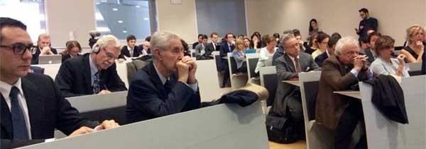 Oggi a Milano un incontro sulla eredità nell'era digitale, promosso dal Consiglio nazionale del notariato, ha visto l'ntervento anche di Stefano Rodotà. La possibile soluzione non è una nuova legge, ma una prass operativa, un protocollo tra aziende e cittadini nel rispetto e nella tutale dell'identità digitale.