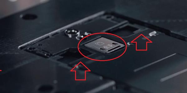 Mostrato il presunto supporto dual-SIM e microSD dell'OnePlus 2