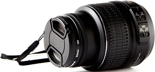 L'obiettivo da montare sul corpo macchina di una fotocameraL'obiettivo da montare sul corpo macchina di una fotocamera
