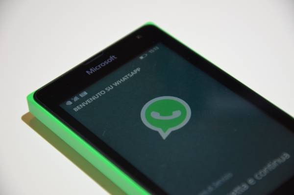 WhatsApp su Microsoft Lumia 435