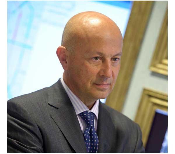Nicola Ciniero, 55 anni, laureato in Legge alla Statale, Nicola Ciniero è presidente e amministratore delegato di IBM Italia dal giugno 2009. Ieri è stata ufficializzato l'ingresso della società in Italia Startup.