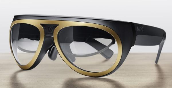 Occhiali per realtà aumentata su BMW Mini