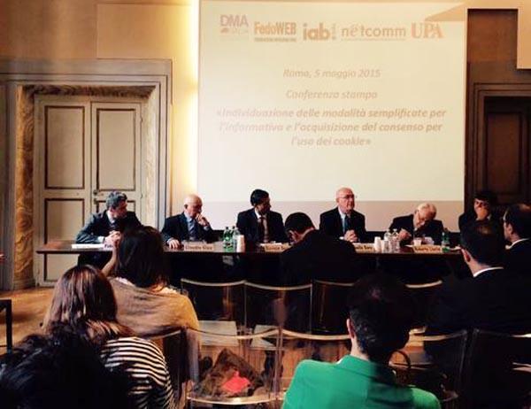 Il kit di implementazione della cookie policy è stata presentato ieri a Roma dal garante Antonello Soro insieme ai rappresentanti delle associazioni coinvolte da questa novità. Le aziende dovranno adeguarsi entro il 2 giugno 2015.