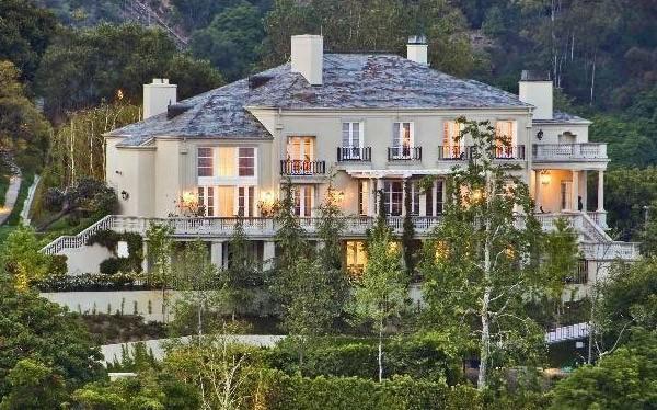 La residenza da 17 milioni di dollari di Elon Musk nel Bel Air Country Club