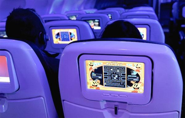 La piattaforma Red (basata su Android) di Virgin America, per l'intrattenimento in volo, include anche giochi come il classico Pac-Man