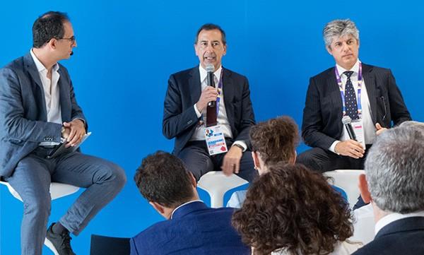 Giuseppe Sala (commissario unico Expo) e Marco Patuano (amministratore delegato Telecom Italia) al TIM Energy Day 2015