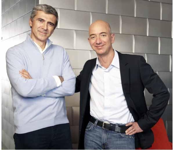 Nella foto, da sinistra: Diego Piacentini e Jezz Bezos, rispettivamente vice presidente e fondatore di Amazon.