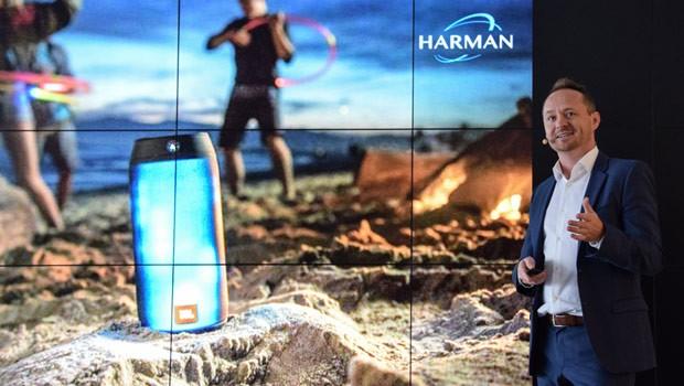 La presentazione dei nuovi prodotti Harman all'IFA 2015 di Berlino